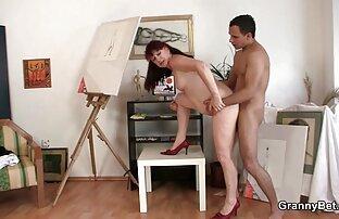 دختر سکسکیر تو کس اسباب بازی جدیدی به او داد و الاغ او را قاب کرد