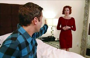 یک دختر ناز خودارضایی می کند عکسهای کیر توی کوس تا اینکه پسرش وارد اتاق شود